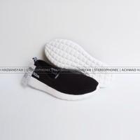 Original 100% Sepatu Adidas Cloudfoam Lite Racer Slip On Women Hitam