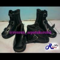 Sepatu koreksi Orthopedi