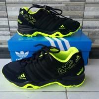 Sepatu sport pria ADIDAS AX2 HIJAU HITAM