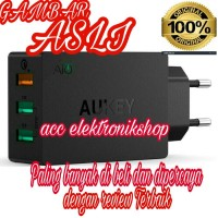 Aukey USB charger 3 port 42W with Qualcomm Quick charger 20 -PA -T2