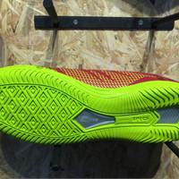 Sepatu futsal specs original Apache in dark red/solar s Diskon