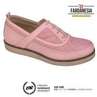 Sepatu Docmart Shoes Wanita Catenzo KM 048 Warna Pink