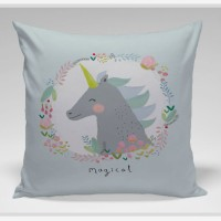 Bantal Sofa / bantal dekorasi Unicorn - Unicorn Magical