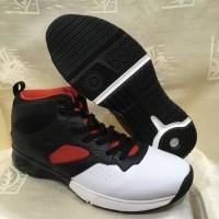 sepatu basket piero commander warna hitam putih ORIGINAL