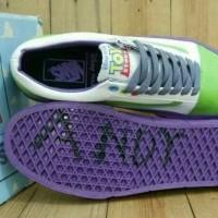 sepatu vans oldschool x toy story buzz lightyear