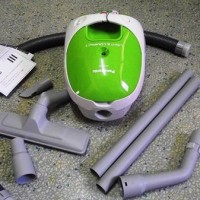 Vacuum Cleaner & Blower Panasonic mc-cg300 Masih seperti baru
