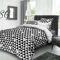 bed cover set segitiga kotak warna hitam putih ukuran sprei 200x200