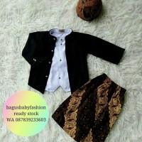 Baju Adat Ewes Setelan Baju Bayi Kostum Jawa plus Blangkon dan Jarik