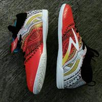 Sepatu Futsal Specs Heritage IN Emperor Red Black White Original Promo