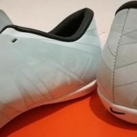 DO Sport Sepatu Futsal Nike Mercurial Vapor XI CR7 White Blue Tint