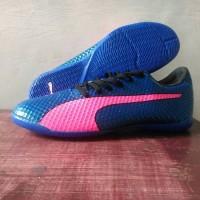 Sepatu futsal Puma - Blue/Pink