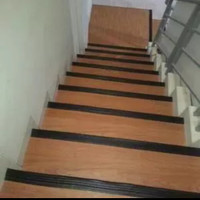 Pengaman siku tangga / Stepnosing karet step nosing anti slip