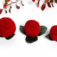 Tempat Box Kotak Cincin Mawar Warna Merah Bahan Beludru