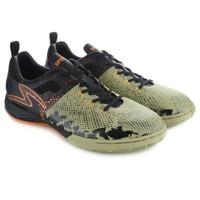sepatu futsal Specs Metasala Combat (Woodbine/Machisto/Orange)