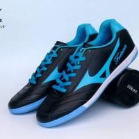 Sepatu Futsal Mizuno Fortuna Hitam List Biru Import
