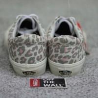 sepatu vans old skool leopard. sepatu sneaker wanita. vans wanita