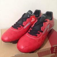 Sepatu Bola Specs Quark FG Chestnut Red