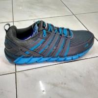 sepatu running spotec storm. grey blue Diskon