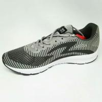 sepatu running specs overdrive ash grey dark granit