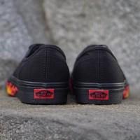 KEREN sepatu Vans Authentic Flame Wall Black Skate premium original
