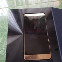 Asus Zenfone 3 Deluxe (ZS570KL) RAM 6GB / ROM 64 GB