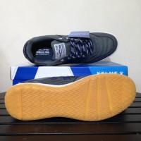 Sepatu Originals SALE Sepatu Futsal Kelme Intense Dark Grey 55781-702