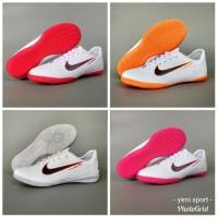 Sepatu futsal / putsal / footsal Adidas Messi Limited Edition DISKON