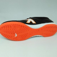 Sepatu Futsal Kelme Original Land Precision Black Orange New 2018