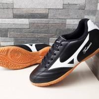 Sepatu Olahraga Futsal Mizuno Fortuna FG 18 Hitam List Putih Import