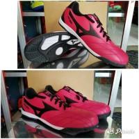 Sepatu futsal / putsal / footsal Mizuno Pink Tua Black_Grad DISKON