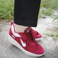 sepatu wanita kets wedges nike merah maroon