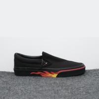 Sepatu Vans Slip On Flame Wall Black Red