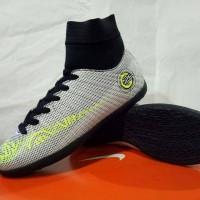 Sepatu Olahraga Futsal Anak Nike Mercurial CR7 High Putih List Hijau