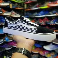 Sepatu Vans Oldskool Checkerboard Motif Kotak Hitam putih Sneakers