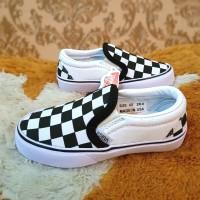 Sepatu Vans Checkerboard Slip On Anak Putih