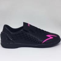 Sepatu futsal specs Accelerator exocet in black beat magenta Pria