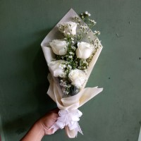 Buket bunga mawar asli bucket wisuda hadiah graduation hand bouquet
