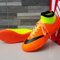 Sepatu Olahraga Futsal Anak Nike Skin High Oren Hijau List Hitam Impor
