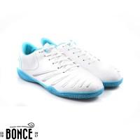 Sepatu Futsal OrtusEight Blitz IN White Original