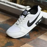 Sepatu Nike Waffle Trainer Putih Hitam dan Putih Polos