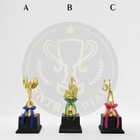 Piala Figur Oscar Musik Bulu Tangkis