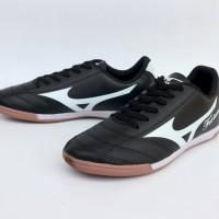 Sepatu Olahraga Futsal Mizuno Fortuna Archer Hitam List Putih Import