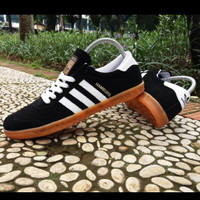 sepatu sneakers kets ADIDAS HAMBURG BLACK LIST WHITE High Quality