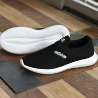 Sepatu Sport Santai Adidas Slip On Slop Casual Hitam Putih Tanpa Tali