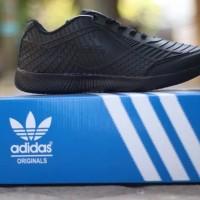 Sepatu sekolah hitam polos adidas bahan karet pria wanita model sport