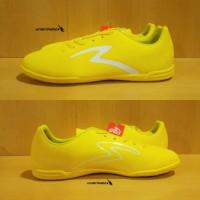Specs Barricada Guardian IN - Yellow. Sepatu Futsal Specs Original Top