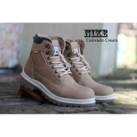 Sepatu Nike Boots Safety Colorado Warna Cream