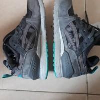 Sepatu Assic Gel lyte 3 Grey