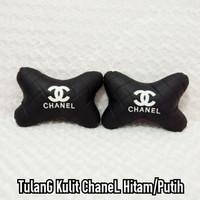 Bantal Mobil Headrest Tulang Kulit CHANNEL Premium Hitam Logo Putih