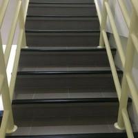 step nosing karet, Lis tangga , anti slip tangga, pengaman siku tangga